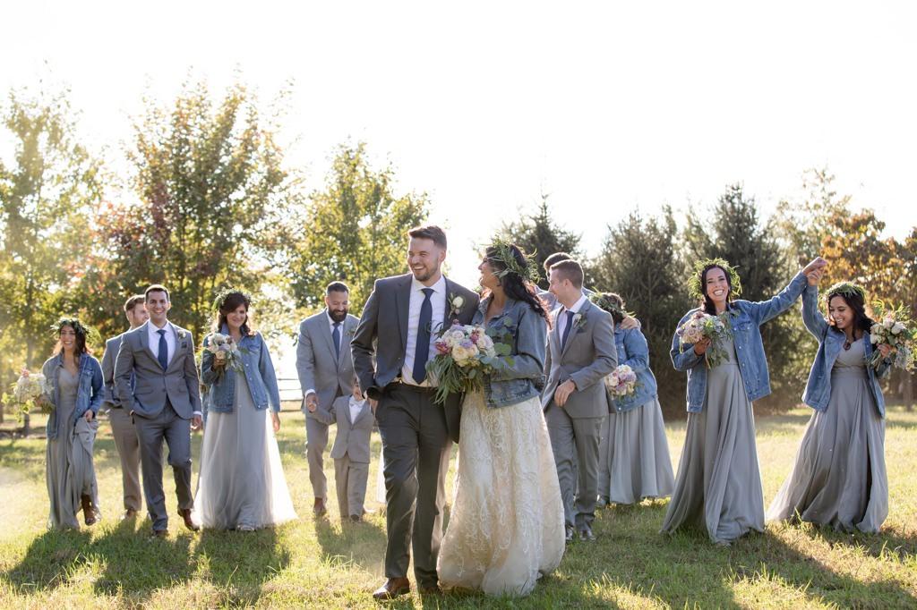 bridal party at the star barn
