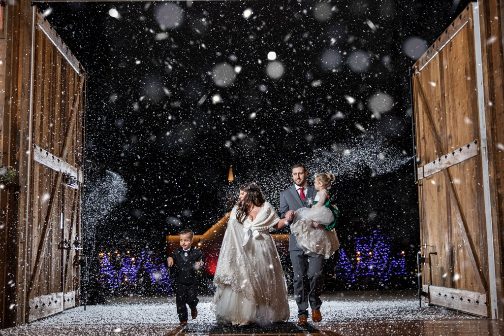 snow wedding at the start barn in central pa